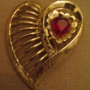 Red Heart Rhinestone Goldtone Open Work Brooch